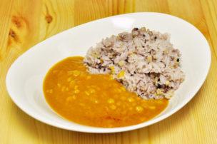 無印のレトルトカレー ダール(豆のカレー)