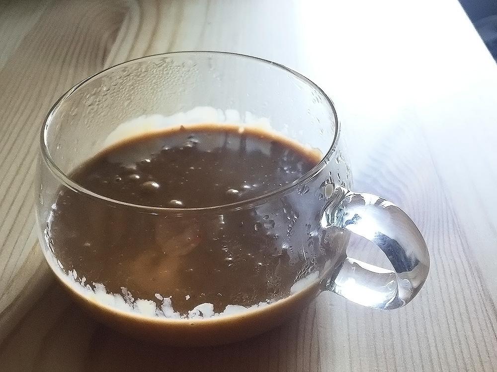 耐熱ガラスのカップにソースを入れてチン♪