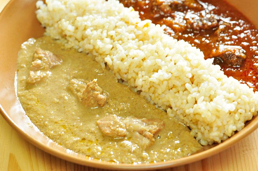 チキンシャクティ シャクシャク食感とマイルドな風味の、甘口まったり濃厚レトルトカレー。