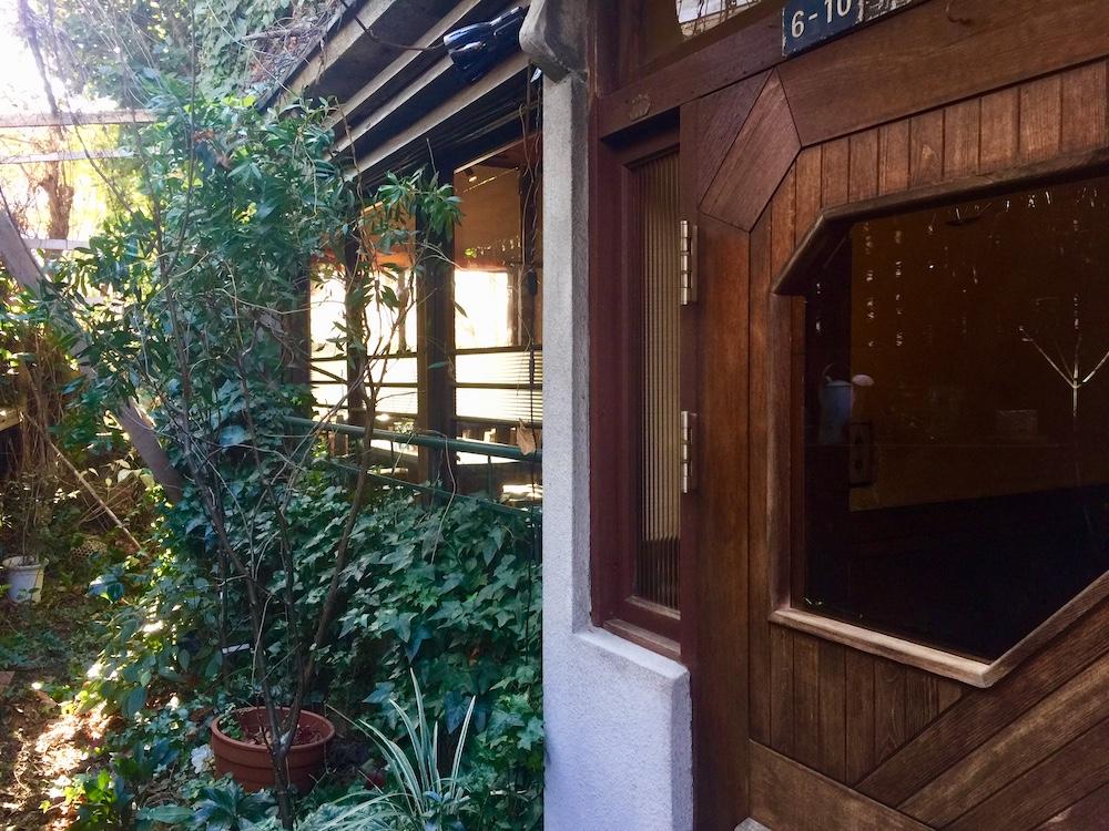 スパイスカフェ 玄関