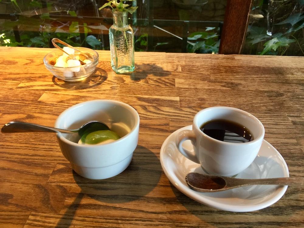 紅茶とカブのパンナコッタ