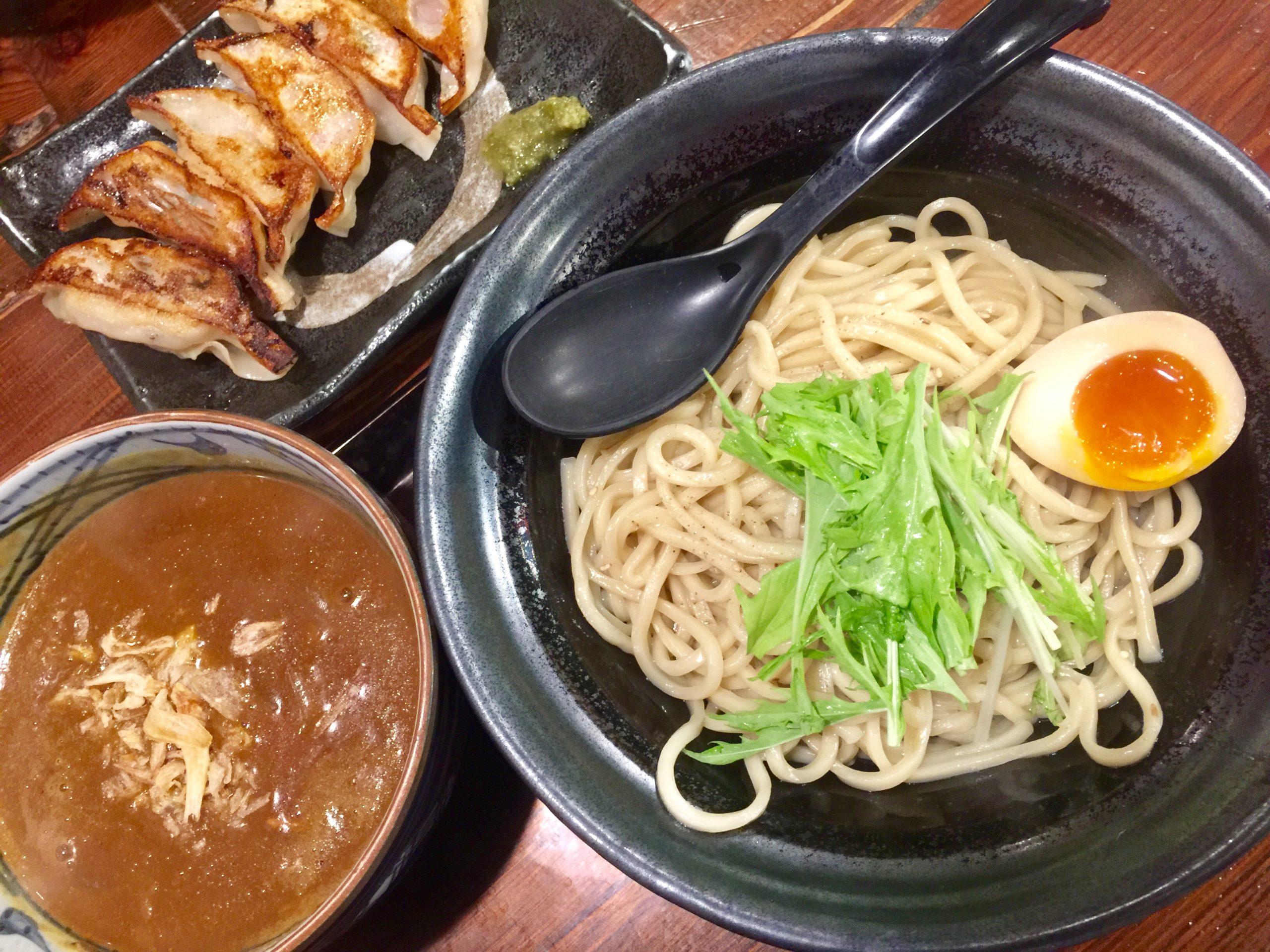 中華麺屋まんまる 加哩つけ麺 770円 + 餃子6個 400円