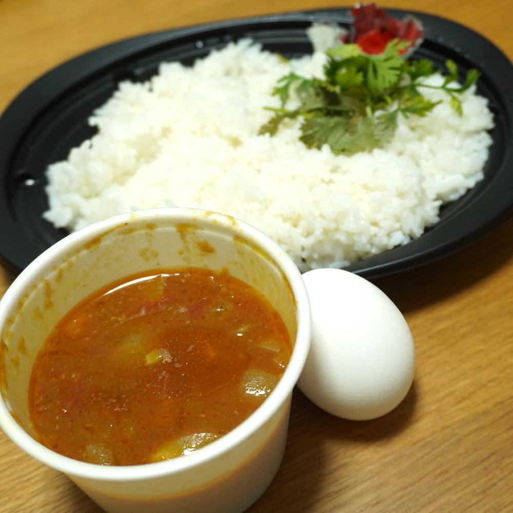 ピアットスズキ監修 イタリアン ポルペッティカレー 内容量少なくない!?セットで付いてくるスープかよ。