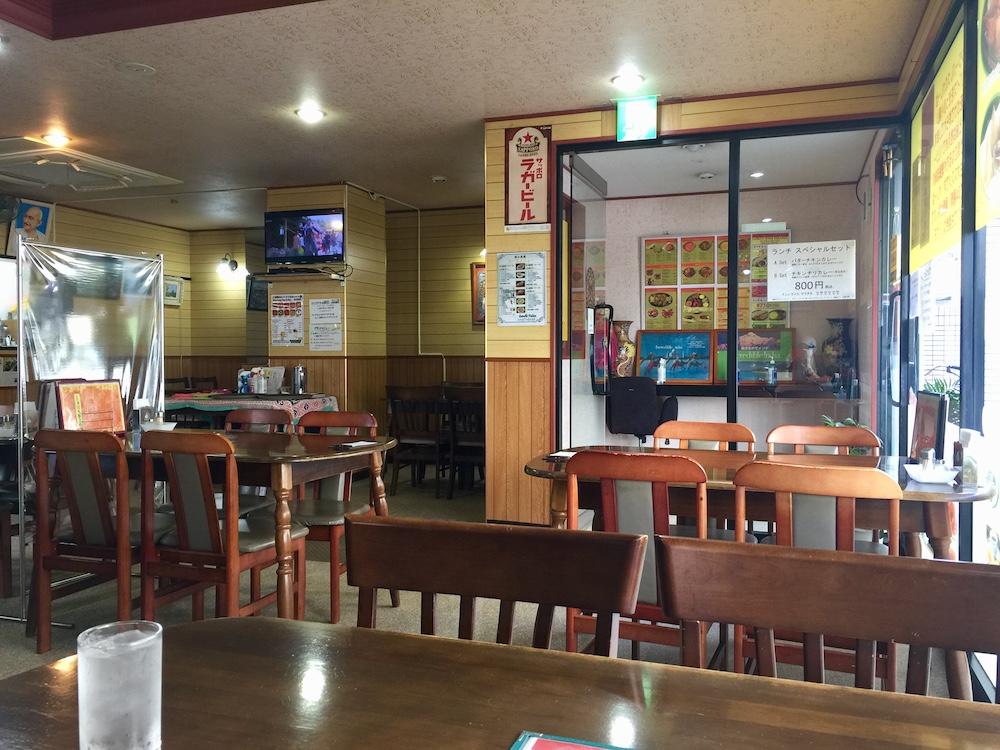 四つ木 インド料理屋 ガンジーパレス 広々店内